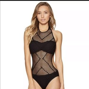🎉HP!! 4.28. Kenneth Cole wrapped in love Monokini